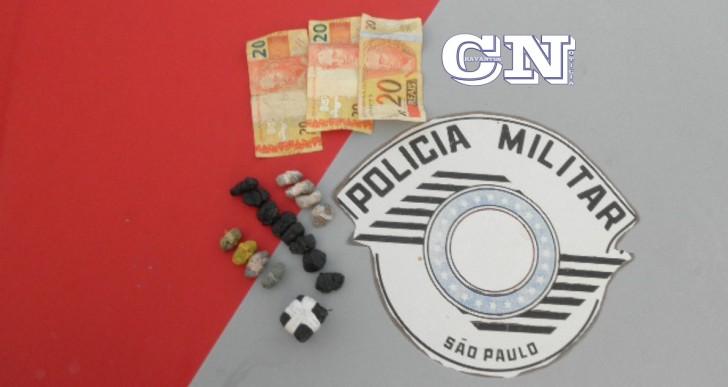 INDIVÍDUOS SÃO PRESOS POR TRÁFICO DE DROGAS EM OURINHOS CONDUZINDO AUTOMÓVEL COM PLACAS DE CHAVANTES