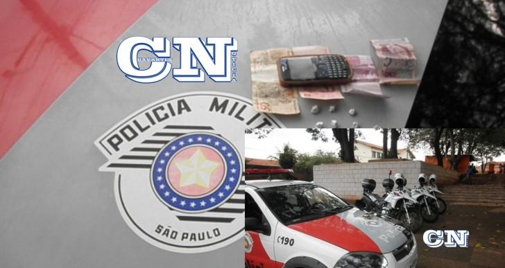 PM DE CHAVANTES COM A PM ROCAM DE OURINHOS PRENDE INDIVÍDUO POR TRÁFICO DE DROGAS NA PRAÇA DA MATRIZ