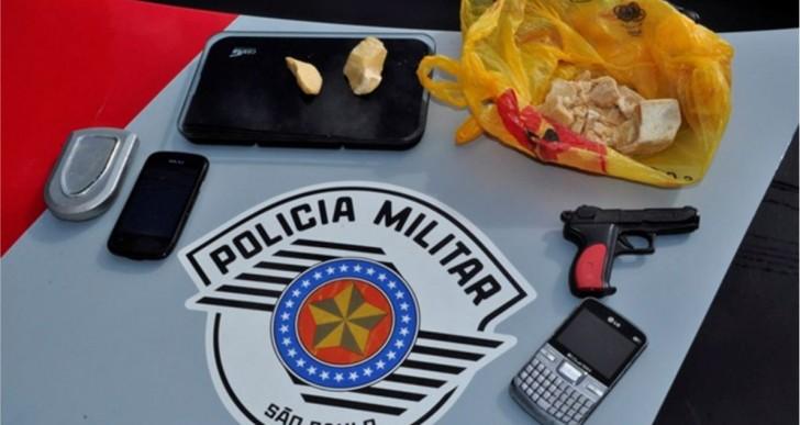 PM PRENDE QUATRO INDIVÍDUOS POR TRÁFICO DE DROGAS NO BAIRRO ITAJUBI – OURINHOS/SP