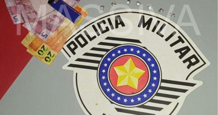 POLÍCIA MILITAR DE CHAVANTES APREENDE INDIVÍDUOS COM CRACK E MACONHA NO DISTRITO DE IRAPÉ
