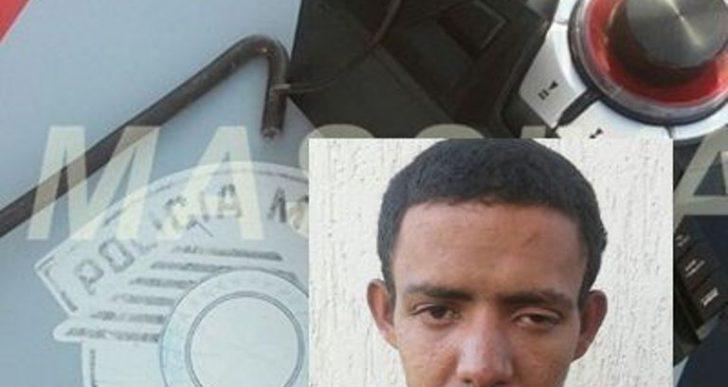 POLÍCIA MILITAR PRENDE INDIVÍDUO FURTANDO ESCOLA NA VILA MARCANTE EM OURINHOS.