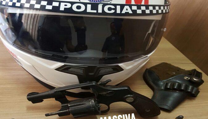 POLÍCIA MILITAR DE CHAVANTES APREENDE ARMA DE FOGO NO JARDIM DAS PAINEIRAS