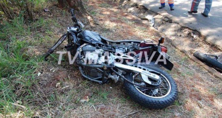 HOMEM MORRE NA BR 153 APÓS GRAVE ACIDENTE ENTRE MOTOCICLETA E CAMINHONETE