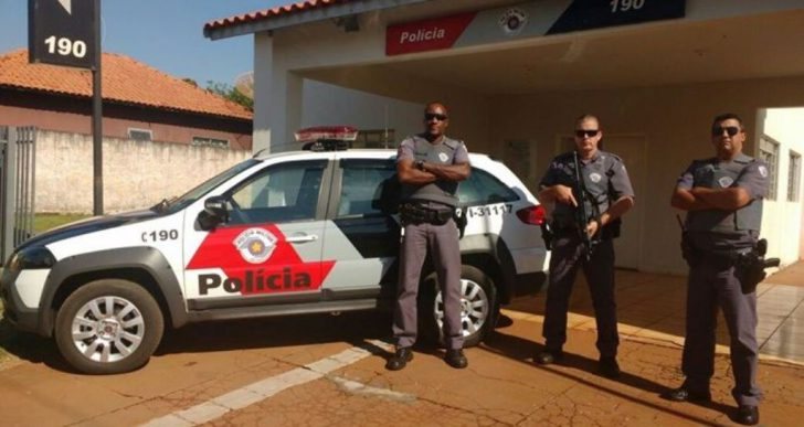 POLICIA MILITAR DE CANITAR RECEBE VIATURA NOVA PARA EFETUAREM OS TRABALHOS EM PROL DA COMUNIDADE LOCAL.