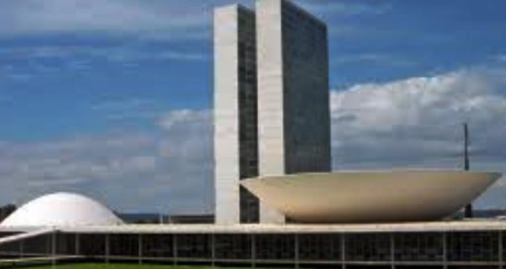 ÂNGELA PORTELA NÃO ACREDITA NA VOTAÇÃO DA REFORMA DA PREVIDÊNCIA ESTE ANO – 2017