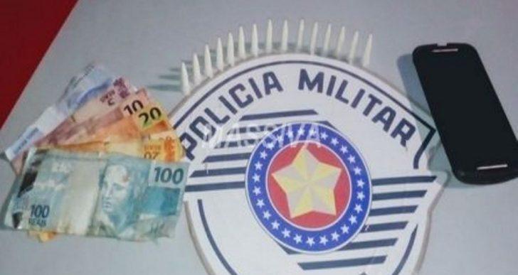 POLÍCIA MILITAR APREENDE ADOLESCENTE NO TRÁFICO DE DROGAS NA VILA MARCANTE.