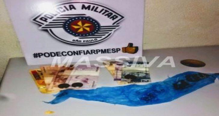 POLÍCIA MILITAR APREENDE MENOR NO TRÁFICO NA RUA EDUARDO PEREZ