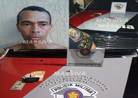 FORÇA TÁTICA PRENDE INDIVÍDUO NO TRÁFICO DE DROGAS NA VILA MARGARIDA.