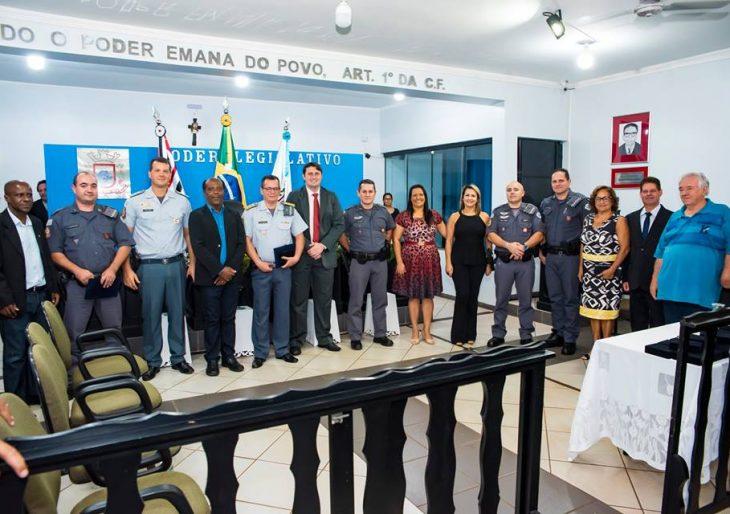 CÂMARA DE IPAUSSU REALIZA SESSÃO SOLENE EM HOMENAGEM AO DIA MUNICIPAL DO POLICIAL MILITAR E CIVIL