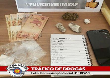 POLÍCIA MILITAR PRENDE MAIS UM E ESTOURA BIQUEIRA DO TRÁFICO.