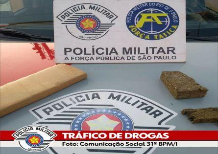 FORÇA TÁTICA PRENDE INDIVÍDUO COM TIJOLO DE MACONHA NO JARDIM SANTA FÉ.