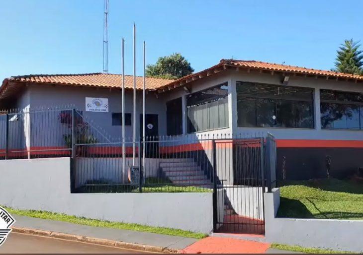 BASE DA PM DE CHAVANTES RECEBE GRAFISMO NOVO DA POLÍCIA MILITAR DE SÃO PAULO