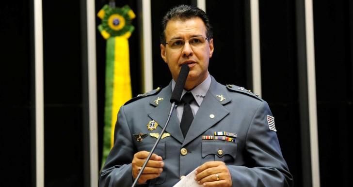 CAPITÃO AUGUSTO INTEGRA LISTA DOS 30 MELHORES DEPUTADOS DO PAÍS