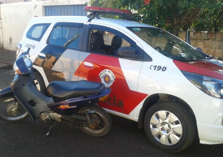 POLICIA MILITAR DE CHAVANTES RECUPERA MOTOCICLETA  FURTADA NO DISTRITO DE IRAPÉ