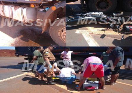 Acidente entre moto e caminhão deixa motociclista gravemente ferido na PR 431.