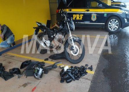 PRF PRENDE INDIVÍDUO COM HAXIXE ESCONDIDO EM MOTOCICLETA NA BR 153 EM OURINHOS.
