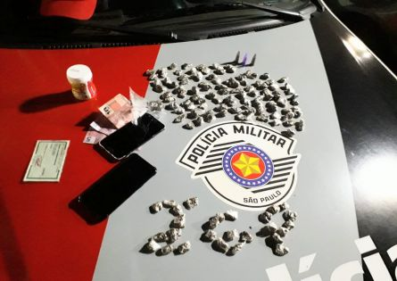 POLÍCIA MILITAR APREENDE ADOLESCENTE COM DROGAS EM CANITAR.