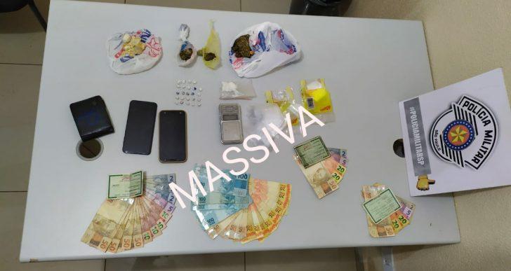 POLÍCIA MILITAR DETEM DOIS INDIVÍDUOS NO TRÁFICO DE DROGAS EM CHAVANTES